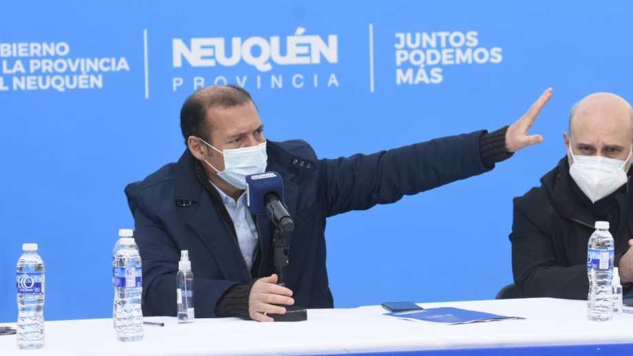 El mandatario encabezó una conferencia de prensa esta mañana en la exU9. Foto: Florencia Salto.