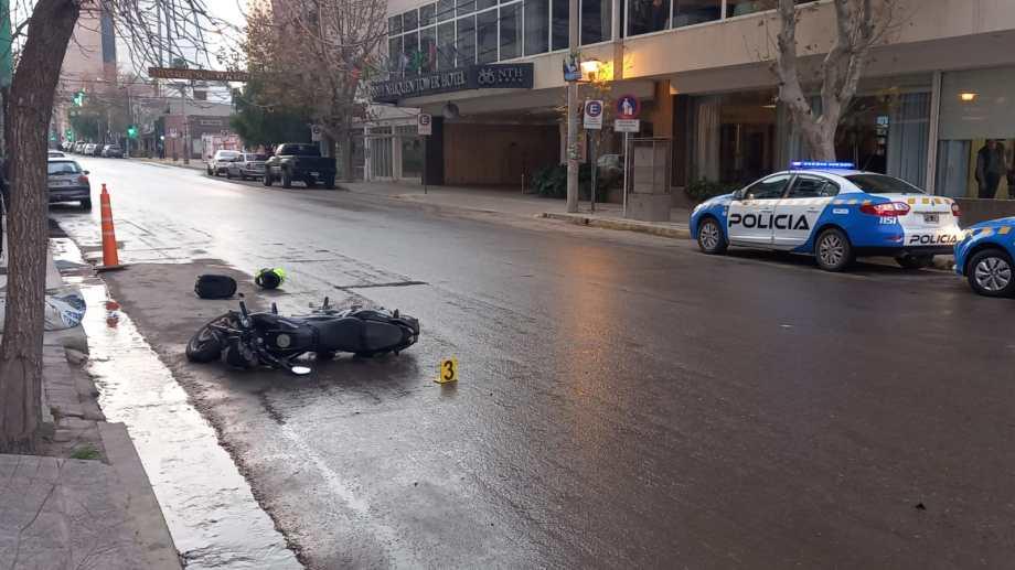 Está en investigación la dinámica del siniestro ocurrido sobre calle Belgrano, de Neuquén. Foto: Gentileza