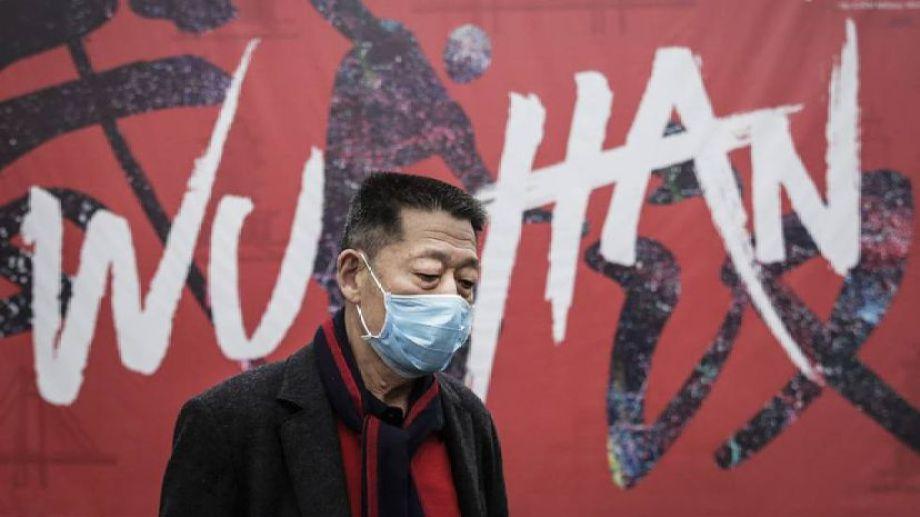 """China denunció """"arrogancia"""" de la OMS por querer investigar el origen del covid."""