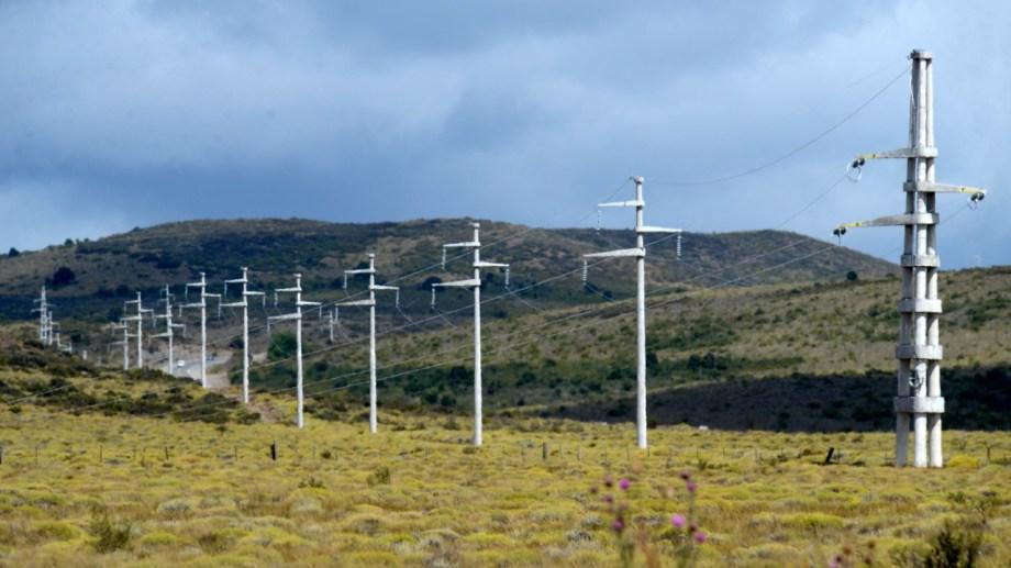 Neuquén realizó una inversión millonaria para ir hasta el cruce de las rutas 40 y 237 con una línea de alta tensión que no se usa.