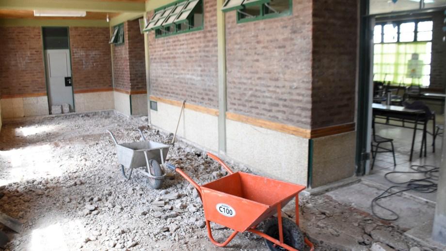 Muchos colegios no pudieron iniciar el ciclo lectivo en marzo porque estaban en obra. (FOTO: Florencia Salto)