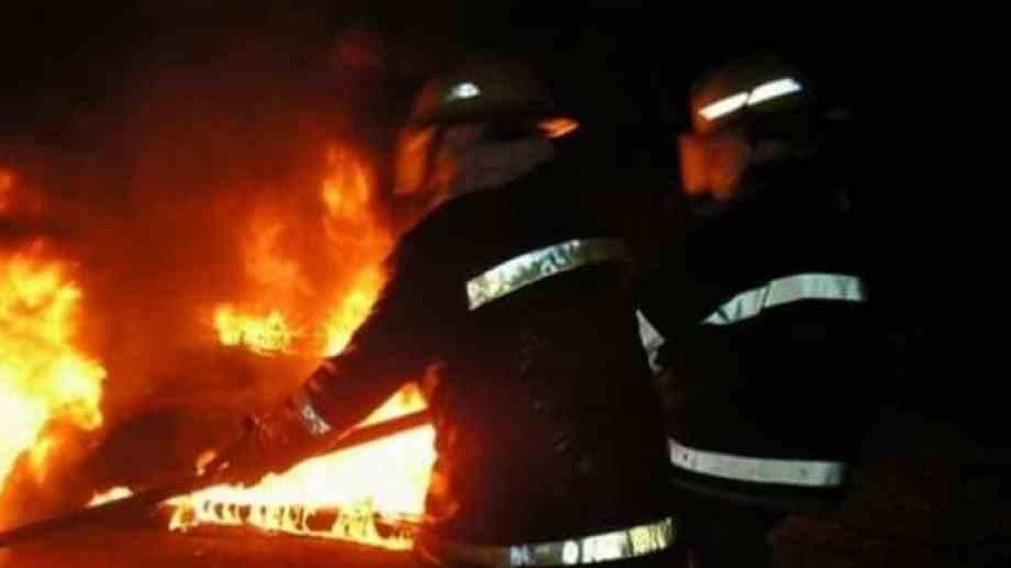 Doce bomberos trabajaron para sofocar las llamas. Foto: Gentileza Cutral Co al instante