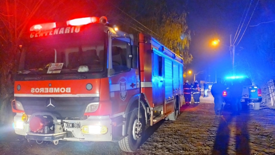 Bomberos de Centenario indicaron que los incendios fueron en un lugar con escasa iluminación. Foto: Gentileza Centenario Digital.
