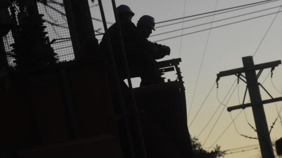 El corte de luz se inició alrededor de las 15 en Viedma.  (Foto de archivo)