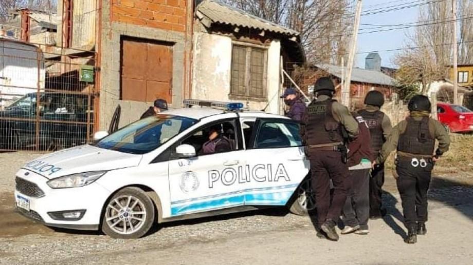 La policía realizó un rastrillaje en la casa de la víctima. Foto: archivo