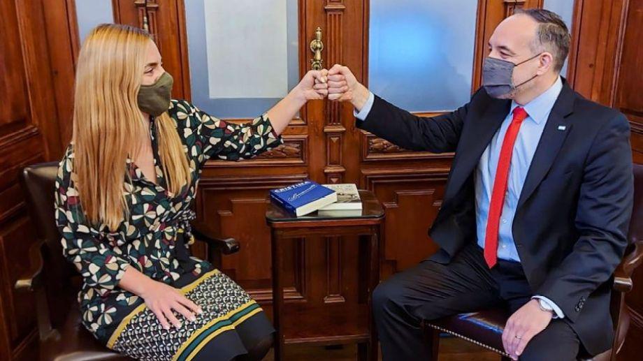 Buenos Aires, 22 de julio, definición de la lista del FdT. Entonces, clima de satisfacción entre la intendenta María Emilia Soria y el senador Martín Doñate.