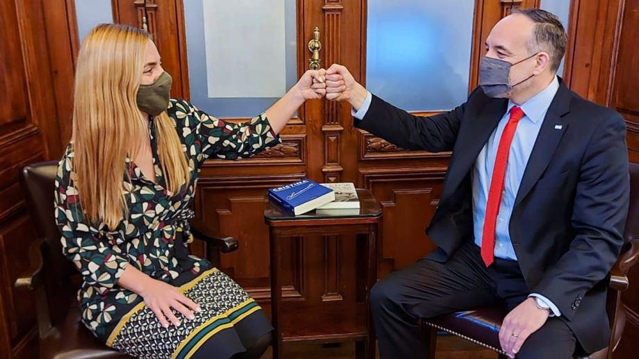 La intendenta María Emilia Soria y el senador Martín Doñate. Foto: Gentileza.
