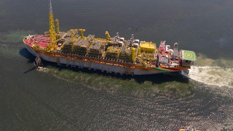El buque  de producción flotante (FPSO), Liza Destiny, produce 120.000 barriles de petróleo por día. (Foto: gentileza)