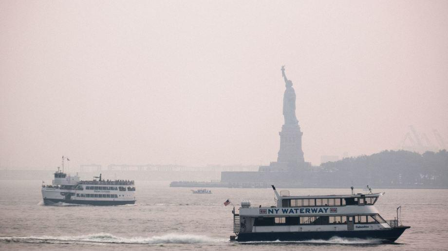 El índice de calidad del aire subió a 157 en Manhattan, la cifra más alta que el umbral de 100 que genera problemas de salud.