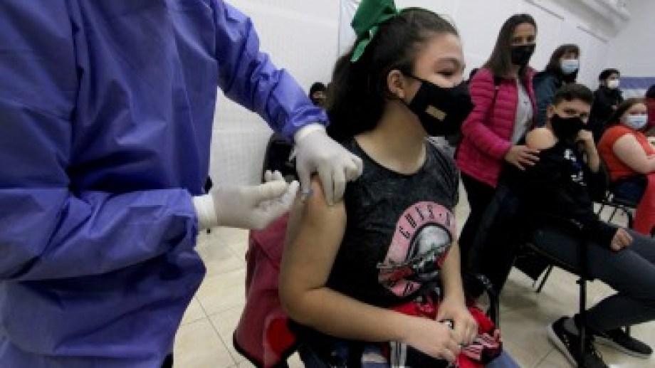 Hoy comenzó la vacunación a menores de 18 años con comorbilidades. (FOTO: Oscarl Livera)