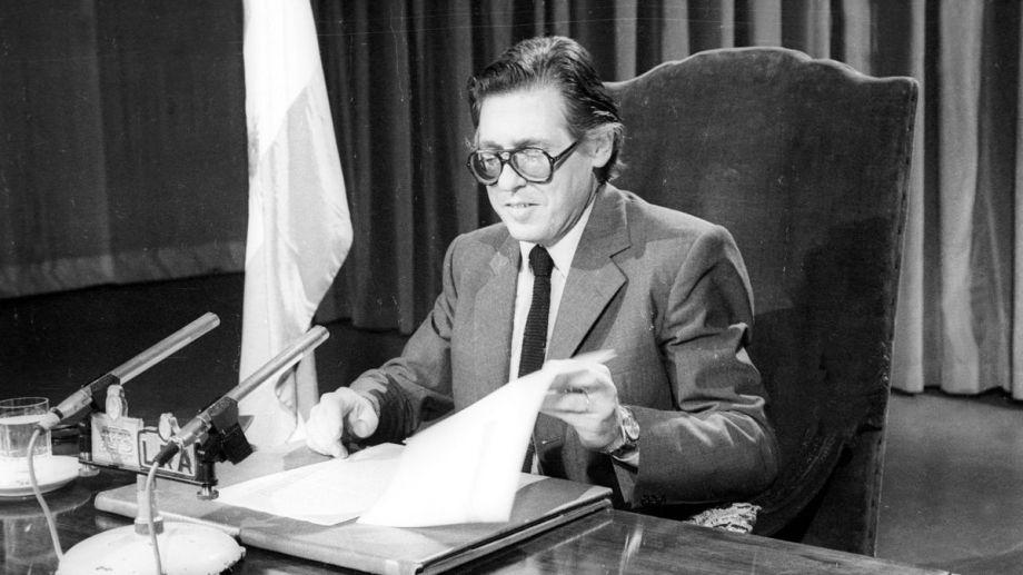 Sourrouille durante una cadena nacional donde anunció medidas económicas.