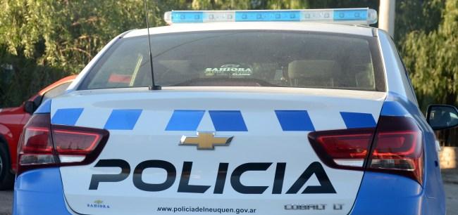 09 07 2017 NEUQUEN CONFLICTO CON LA POLICIA BARRIO SAN LORENZO UN INCENDIO POR UNA GARRAFA MAURO PEREZ DSC 0599