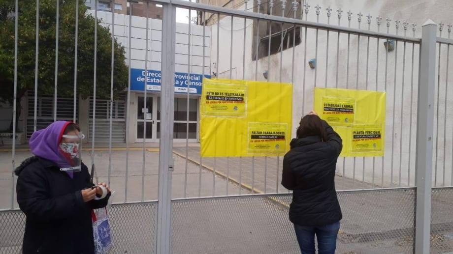 Trabajadores de una dirección provincial de Neuquén denuncian que el brote de covid era evitable. (archivo)