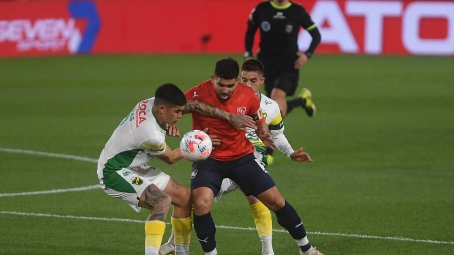 Independiente, líder invicto de la Liga Profesional, igualó con Defensa sin goles. Silvio Romero tuvo dos muy claras para el Rojo. Foto: Ramiro Gomez
