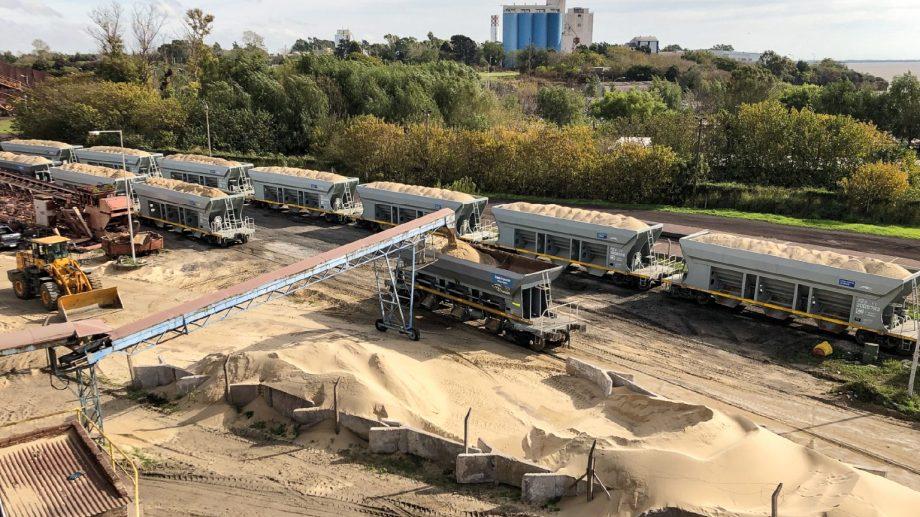 La arena partirá de la localidad de San Nicolás hasta Palmira en Mendoza, de allí viajará en camión hasta Neuquén. (Foto: gentileza)