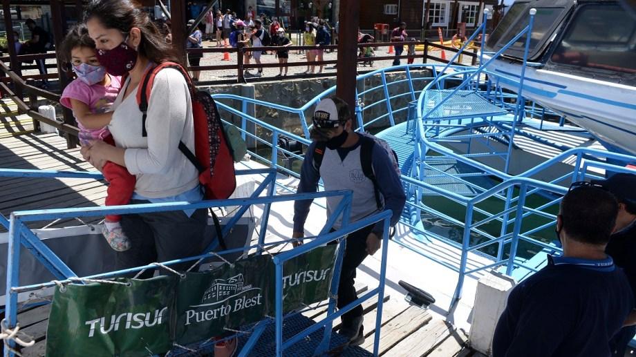 El gremio SOMU paralizó el jueves la excursión a Puerto Blest y el sábado incrementó la medida a todas las operatorias lacustres de Turisur. Archivo