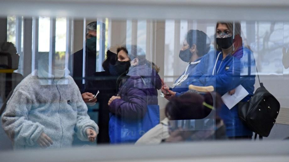 Trabajadores el hospital Castro Rendón de Neuquén Foto: Florencia Salto