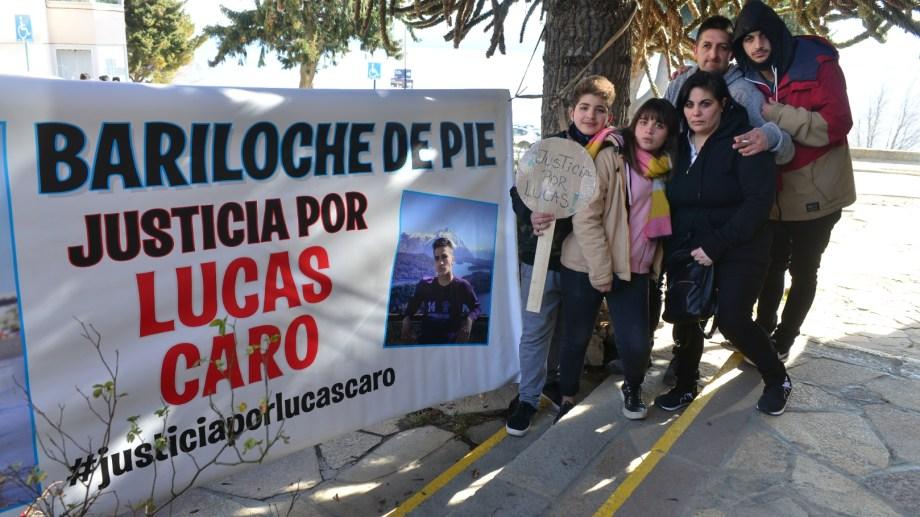 La familia de Lucas Caro siguió con dolor el juicio por la muerte del adolescente de 17 años. Archivo/Chino Leiva