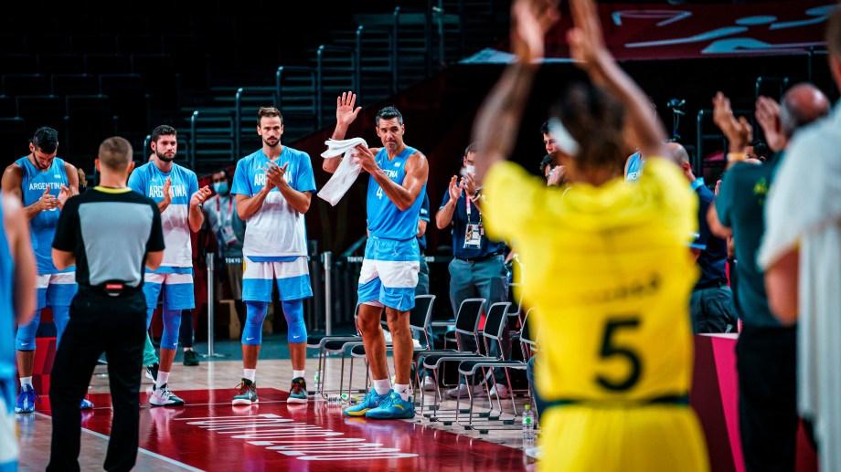 Todos aplauden a Luis Scola, un jugador que dejó su huella en el básquet internacional.