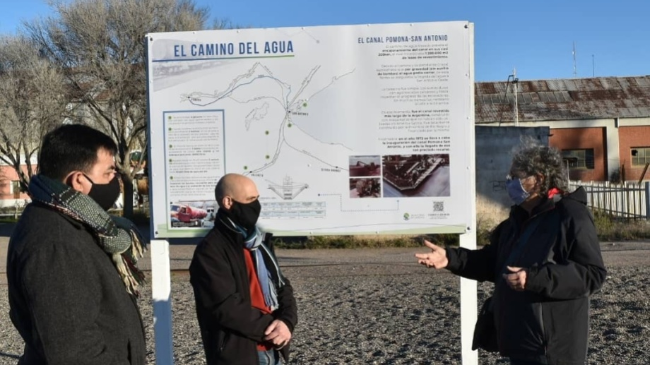 Etchepareborda (izq.) y la conducción del socialismo ponen el foco en la situación ambiental para estas PASO.
