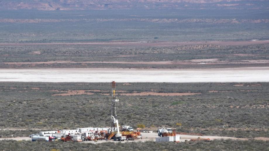 La producción de Vaca Muerta representó el 79% en el petróleo y 76% en el gas. (Foto: archivo Juan Tomes)