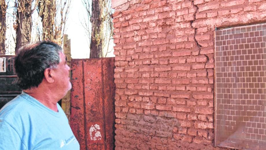 En Sauzal Bonito las viviendas son humildes y muestran daños por la actividad sísmica. (Foto: Florencia Salto)