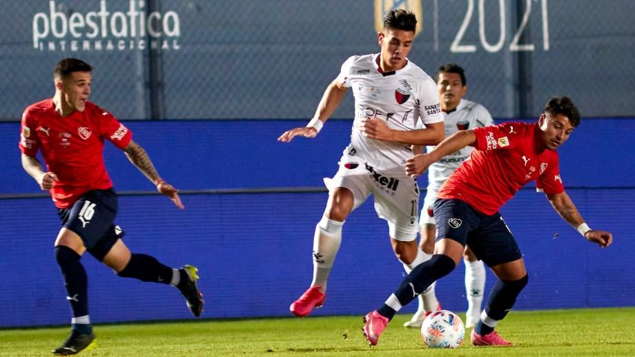 Independiente y Colón se verán las caras desde las 20:15 en Avellaneda por la Liga Profesional.
