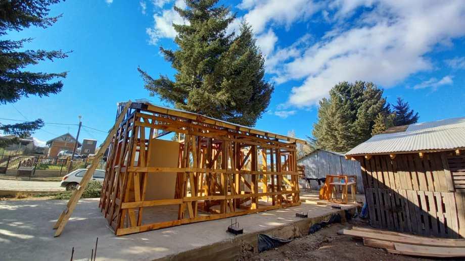 Innovación social. Científicos y organizaciones sociales desarrollan los componentes prefabricados para viviendas sustentables. Crédito: Agencia I+D+i
