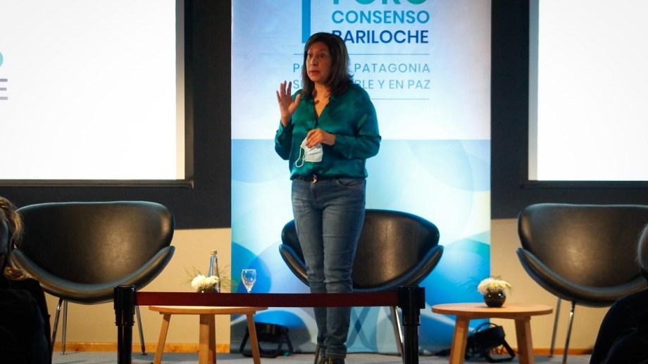 """La gobernadora Arabela Carreras dijo que ya """"habló en extenso"""" del conflicto en el Foro de Tierras. Foto: archivo"""