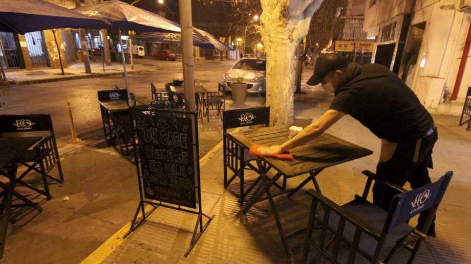 El control de este fin de semana largo en Neuquén será principalmente en pubs. Foto: Oscar Livera