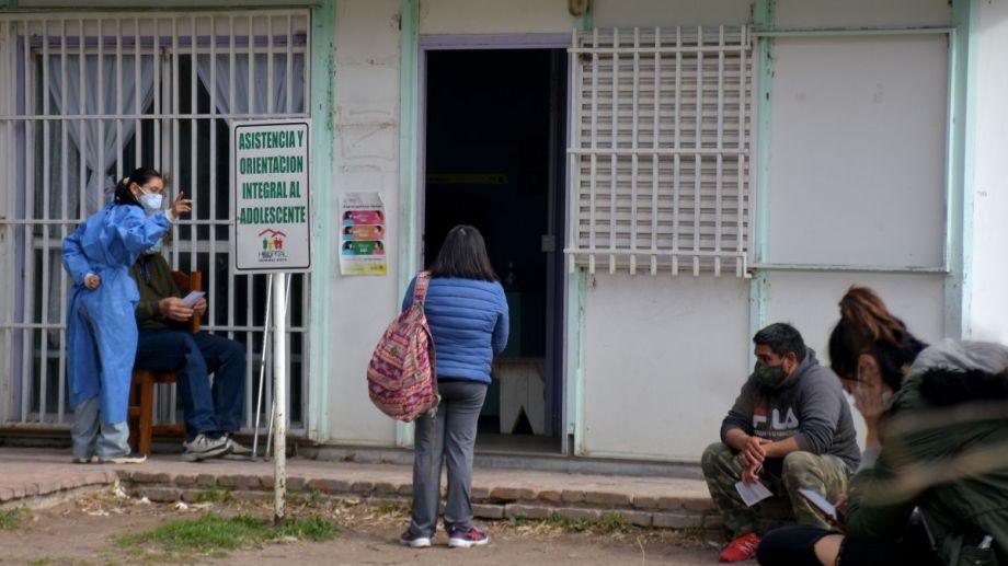 Los casos activos siguen en descenso en la provincia. (Foto: Juan Thomes)