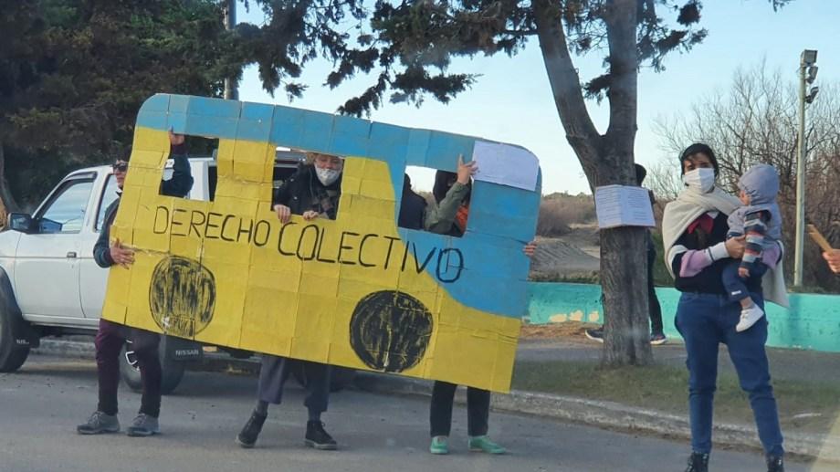 No hubo respuestas de los reclamos de vecinas y vecinos de El Cóndor por el transporte público. Foto Gentileza.