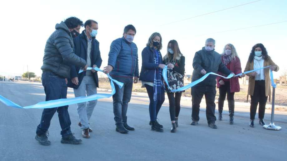 Inauguración de los primeros 300 metros asfaltados de la Poliansky hoy a las 9 (foto Yamil Regules)