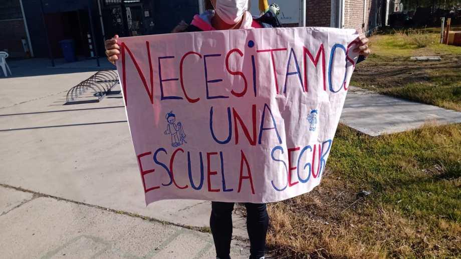 Esta tarde se realizó una protesta en la escuela. Foto: Gentileza