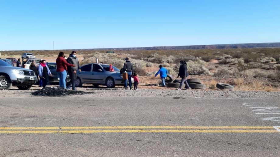 Los vecinos realizaron un corte total de la Ruta 17. Foto: Amadeo Carrizo