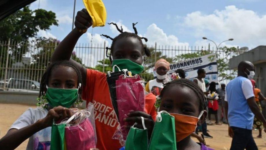 """Para la OMS, una tercera dosis, cuando África solo tiene al 2% vacunado, es """"una burla a la equidad""""."""