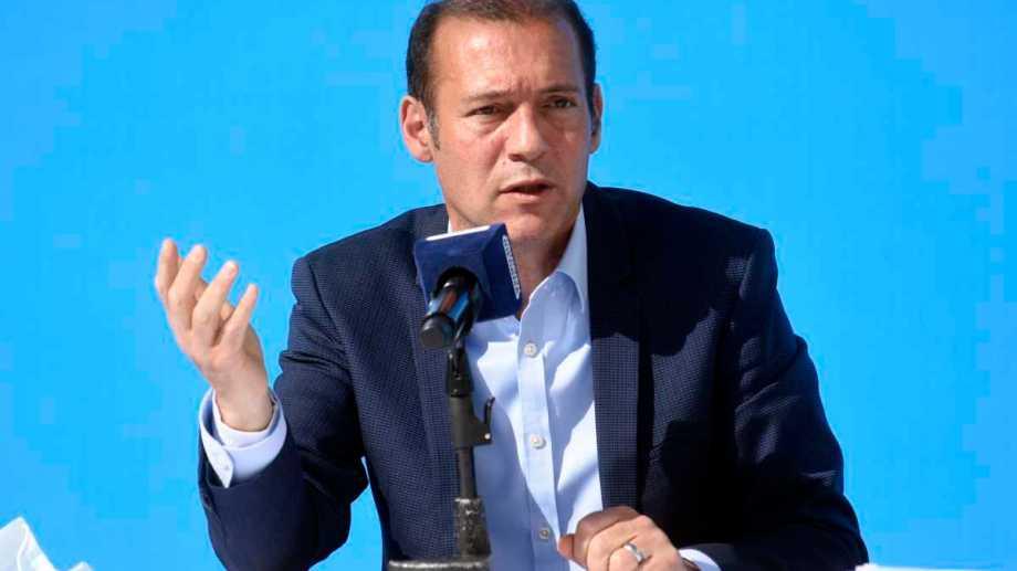 El gobernador, Omar Gutiérrez, cuestionó la actualización y pidió que sea al precio de mercado.