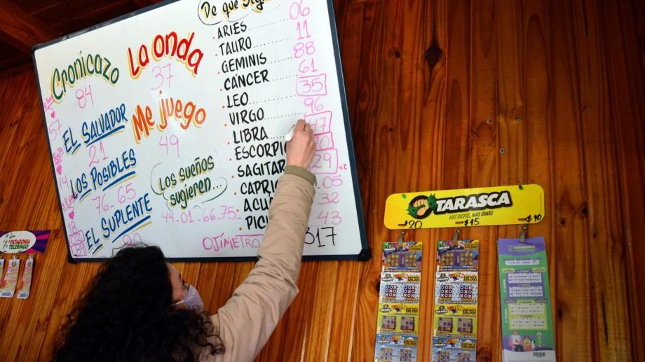 viedma - 27/08/2021 Agencias oficiales  de Loteria de Rio Negro Foto: Marcelo Ochoa