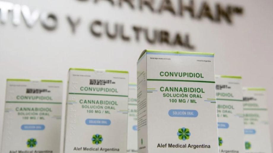 Salud hizo la primera entrega de cannabis medicinal a pacientes del Hospital Garrahan.