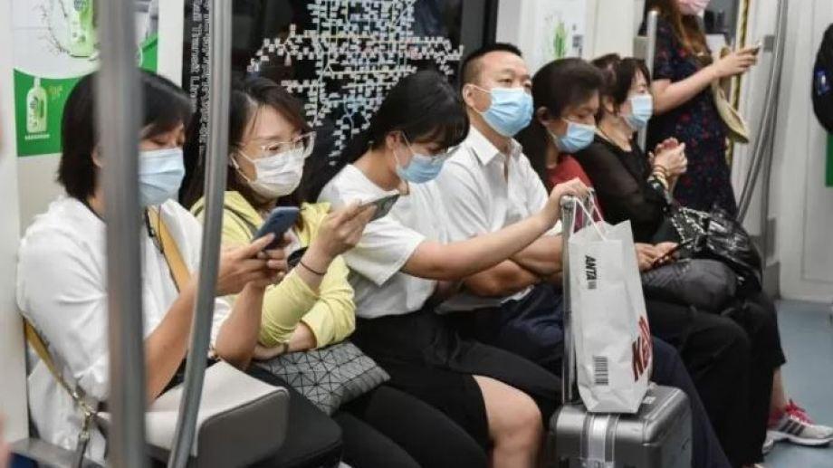 China aísla a millones de personas por nuevo brote en Wuhan, donde 'nació' el coronavirus.