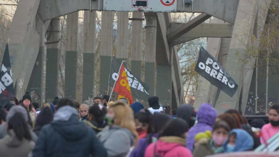 Las organizaciones sociales concentran su protesta en Neuquén capital. Foto archivo: Yamil Regules