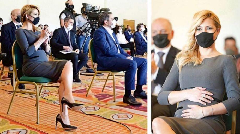 En un viaje a Iguazú, la primera dama se tomó sugestivas imágenes que iniciaron el rumor. Foto: Redes Sociales.-