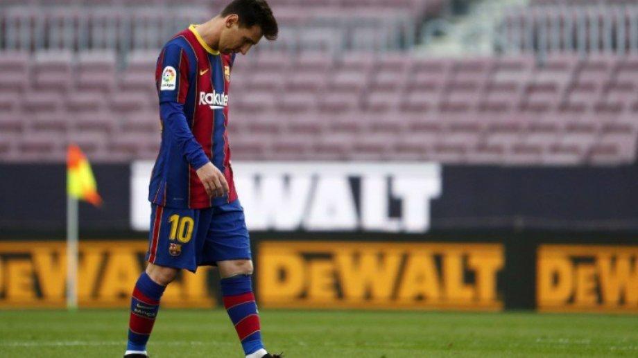 Según sus allegados, Messi está bajoneado por la situación y el anuncio que hizo Barcelona.