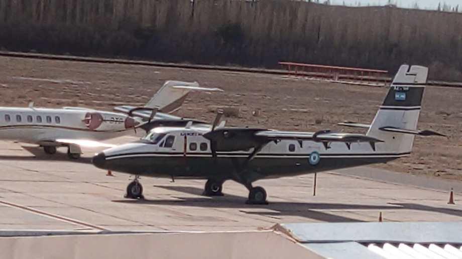 Las defensoras Gabriela Labat y Celia Delgado lograron que quien fue el anterior piloto de esa aeronave, Carlos María Martínez Junor, oficiara de experto para detallar las características del avión en la inspección ocular. (Oscar Livera).-