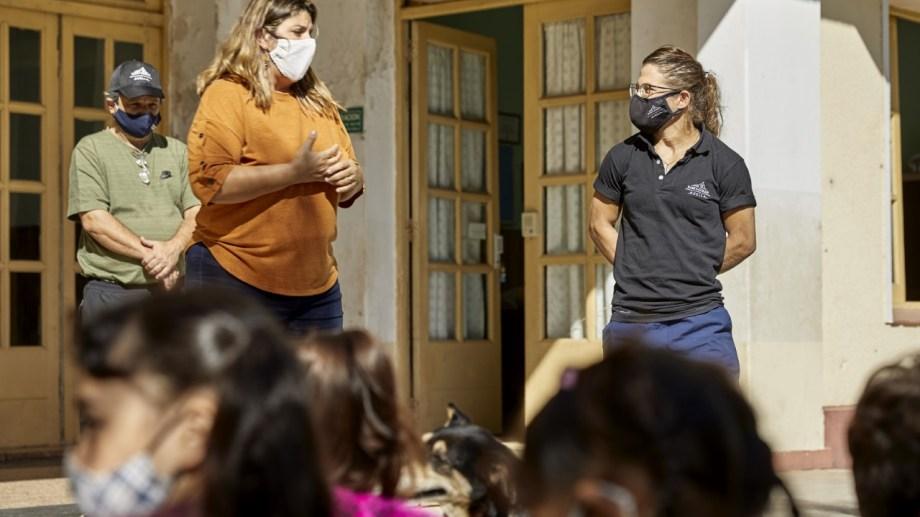 Paula en el Hogar El Alba de Longchamps, su nuevo proyecto solidario con Huella Saint-Gobain.