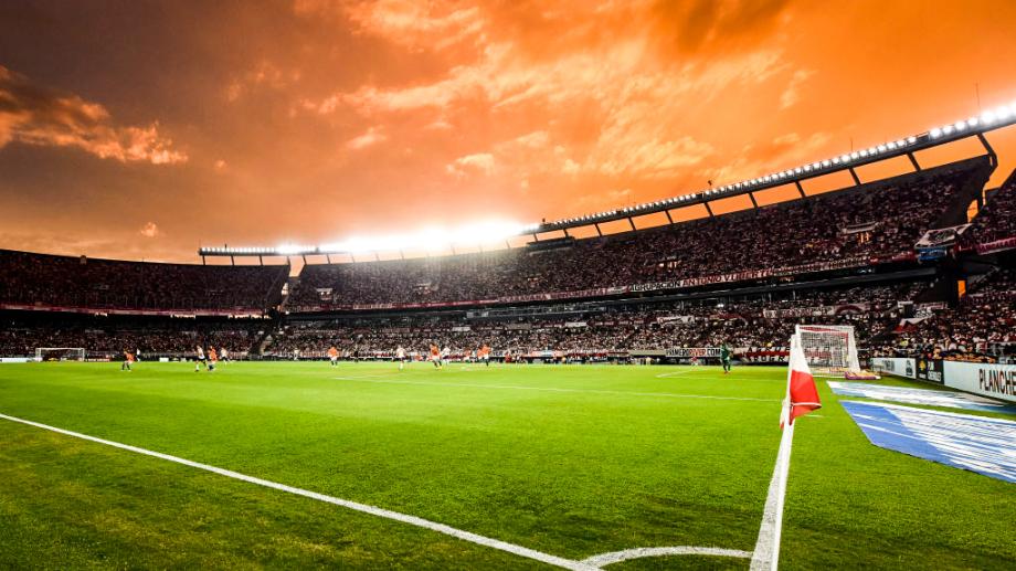 Vuelve el fútbol con público en septiembre con un partido de la selección  argentina