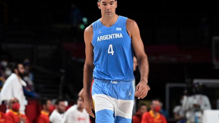 El capitán de la selección de básquet y su último partido con el escudo de su país en el pecho.