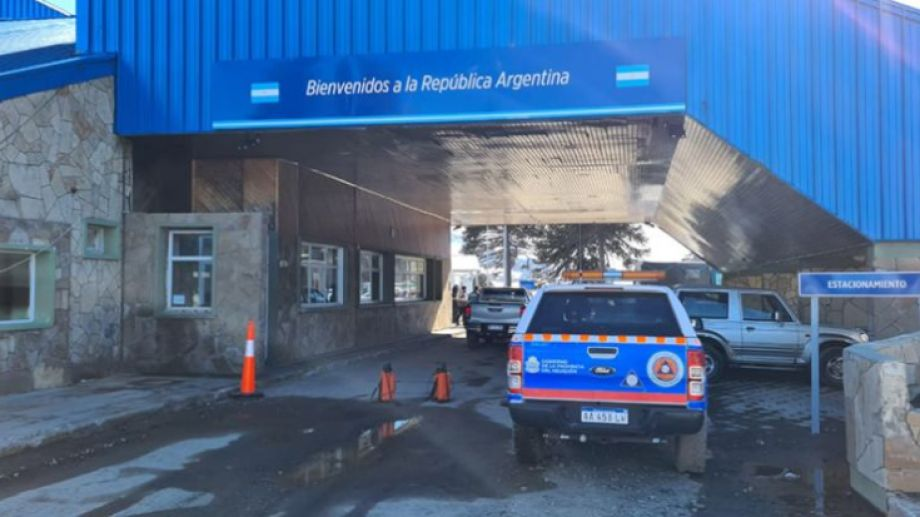Los residentes solicitaron poder volver a Argentina por vía aérea o terrestre.-
