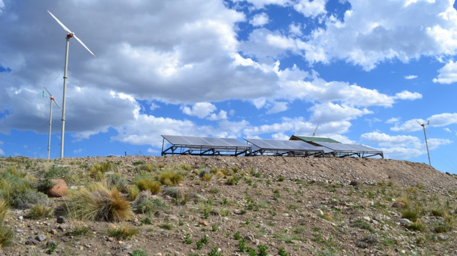 El gobierno quiere instalar sistemas renovables en todos los parajes de la provincia.