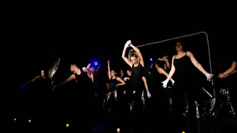 """""""Por siempre Fosse"""" pone a 13 bailarines en escena. Se presenta el viernes en Margarita. Foto gentileza"""